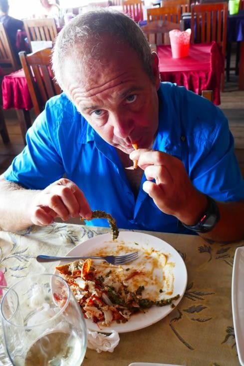 Pas la peine de me parler, je déguste mes crevettes au poivre vert frais...DIVIN...