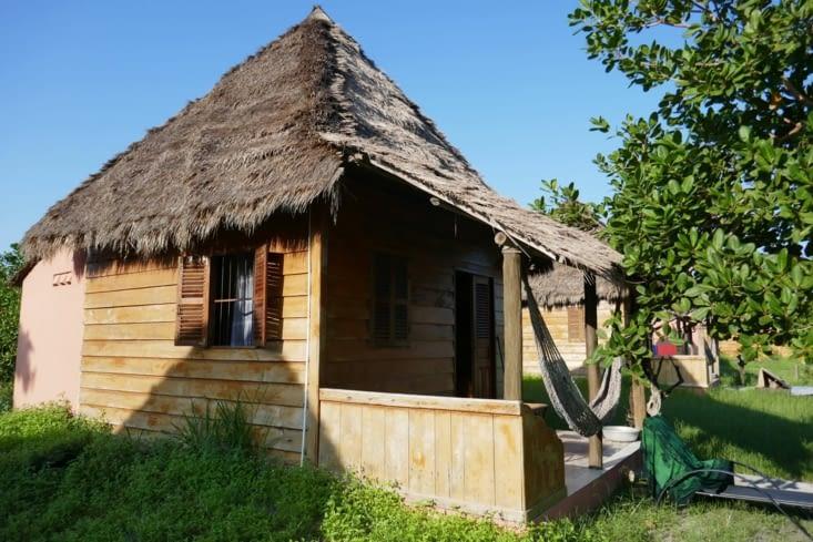 notre 1er bungalow pour les malheureux Robinson que nous sommes...