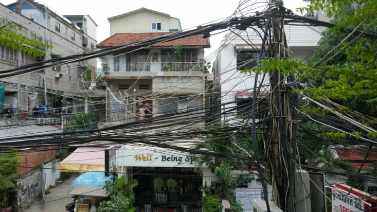 l'électricien d'Hanoï a été embauché ici apparemment