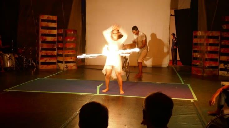 Nous avons vu une représentation de bonne qualité entre prouesses physiques et théâtre