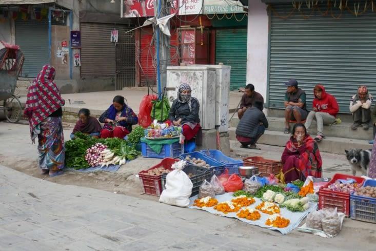 Vente de légumes à même le sol
