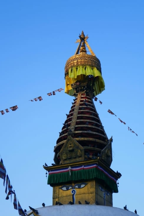 Bien sur les yeux de bouddha sont au dessus du temple