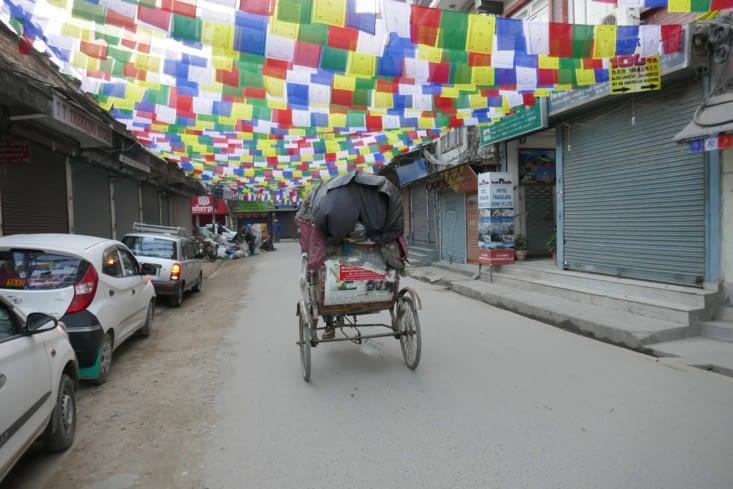les rues sont décorées pour notre arrivée ?