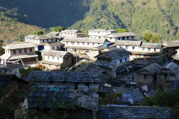 dernière étape : le village de Gandhruk, village tout en pierres