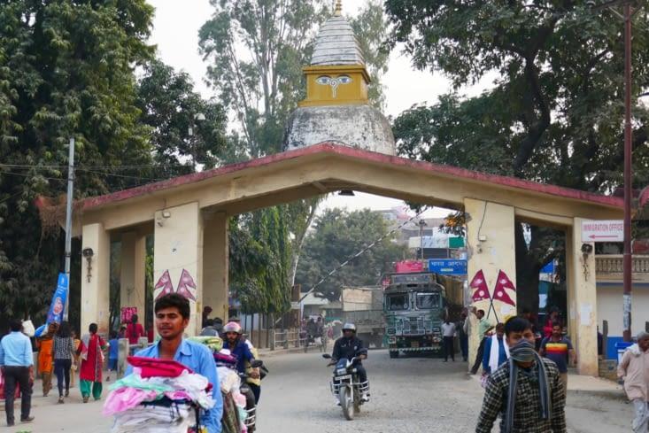 la frontière  népalaise