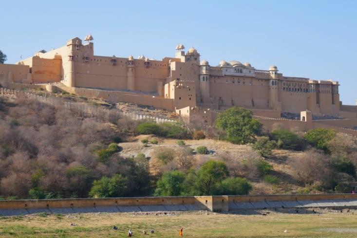 c'est vrai qu'en Inde il y a des tonnes de forts mais celui-ci est parmi les plus beaux