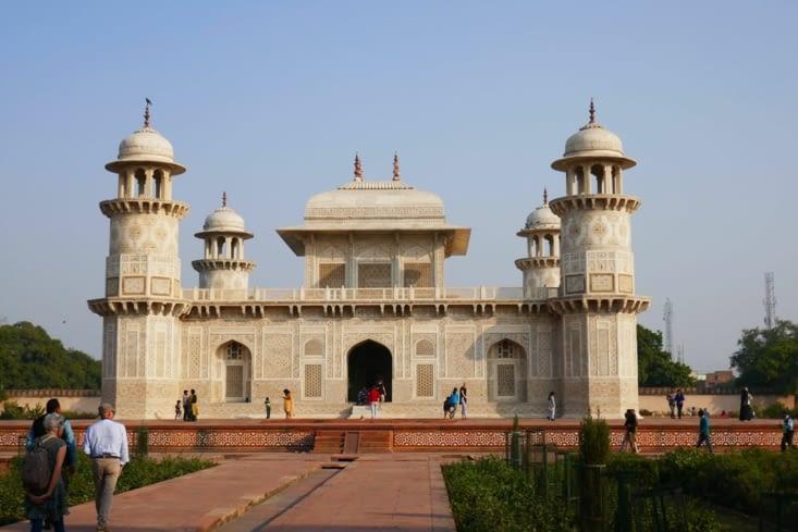"""Visite d'un """"petit"""" monument pour se mettre en bouche avant le Taj Mahal"""