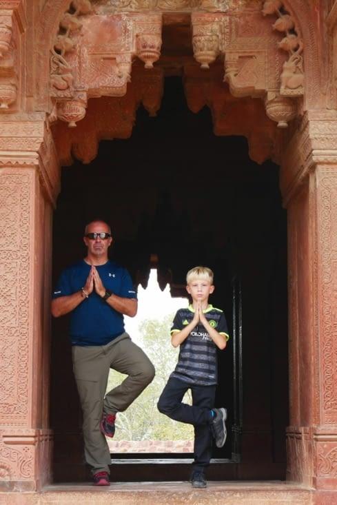 Les ASM (Agent Secret Militaire) en pause Yoga
