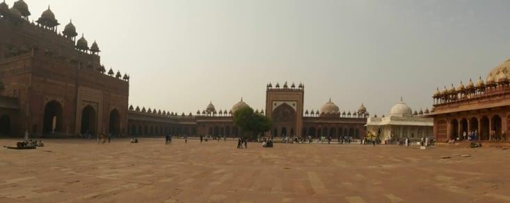 Et voici la Mosquée voisine de la citadelle
