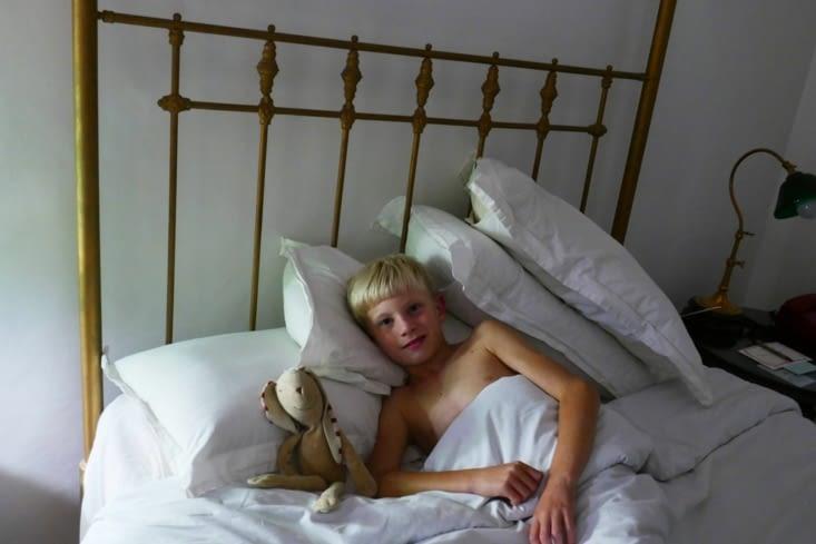 Maël a sa propre chambre: un prince dans ses appartements quoi...!