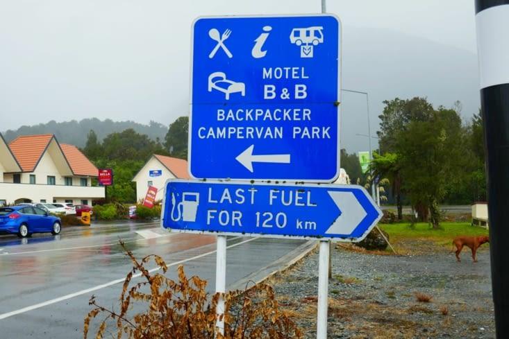 Faut pas oublier de prendre de l'essence car rien avant 120 km