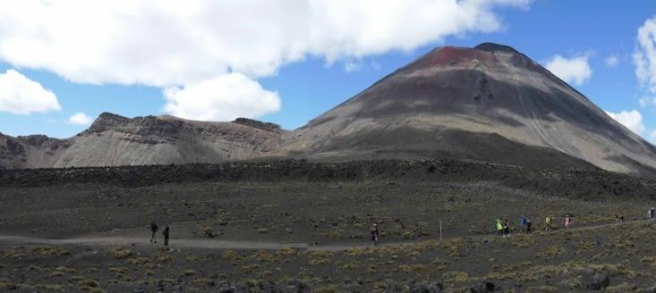 Les nuages ne sont jamais très loin et prompts à s'accrocher aux sommets des volcans