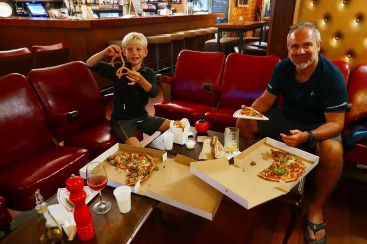 Mais d'abord nous avons RDV avec les pizzas