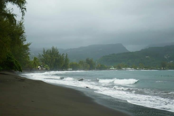 2ème étape : il fait toujours aussi beau sur cette belle plage de sable noir