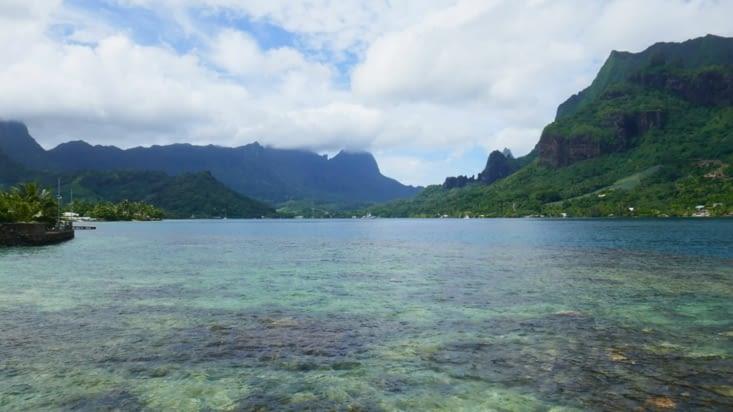 superbe ile montagneuse, et en plus il fait beau !