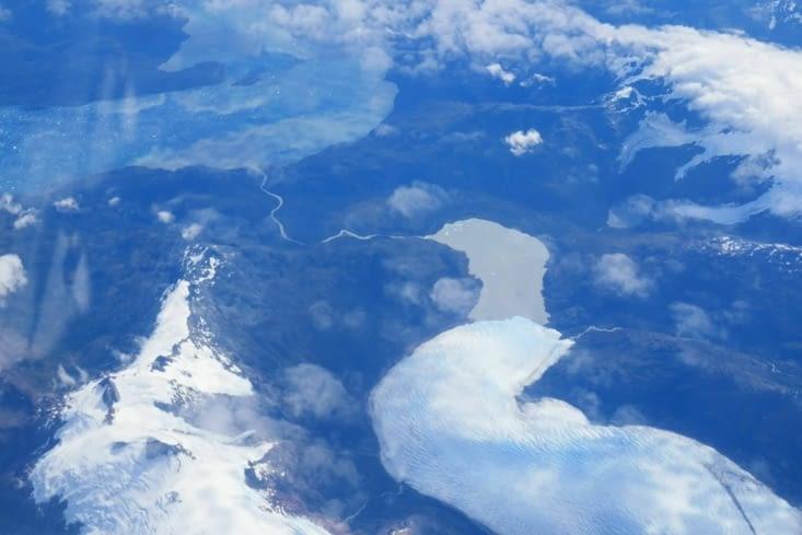 Un immense glacier vu du ciel