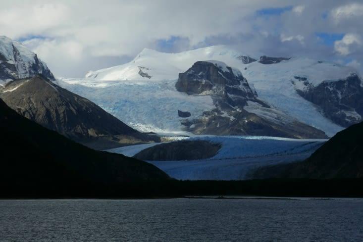Chaque glacier a un nom et il y a le glacier italien, allemand. ..et FRANCAIS