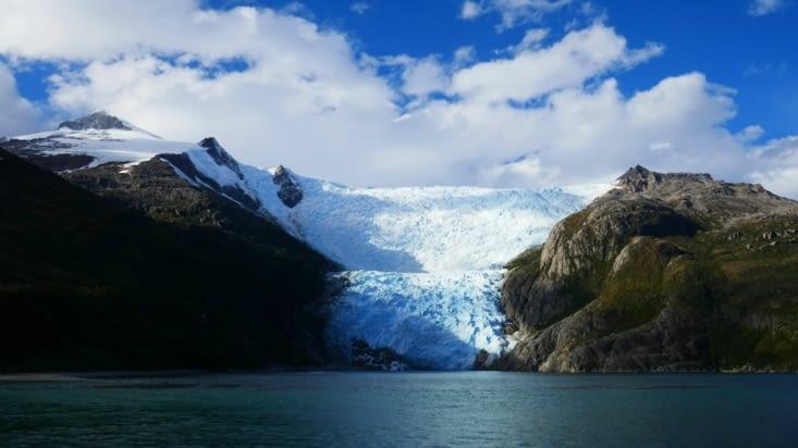 Et voici le glacier Français : le seul devant lequel le bateau s'est arrêté ! ...