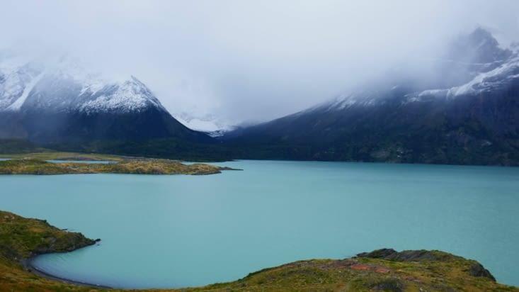 Tiens là,  on voit même super bien l'autre rive du lac ...