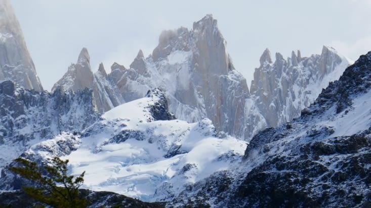 Et voici le magnifique, le célèbre, l'incontournable Cerro Fitz Roy (3 405 m. )