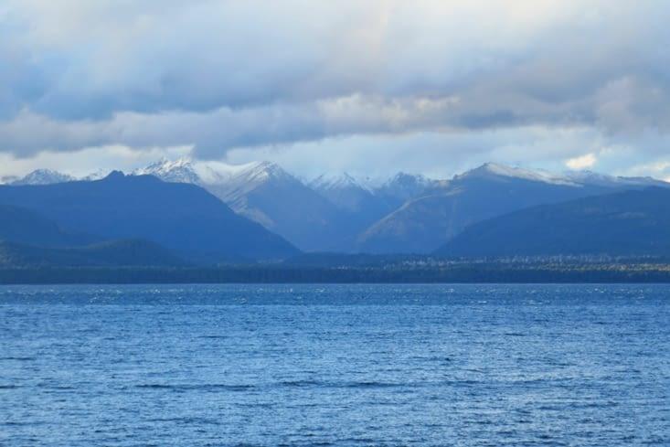 Bariloche est accolé à un immense lac