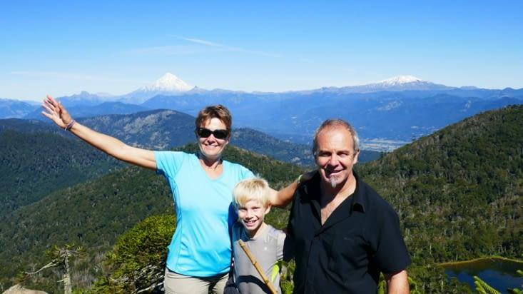 Ah mais on ne voit pas que des volcans ici; il y a la famille Bourreau.