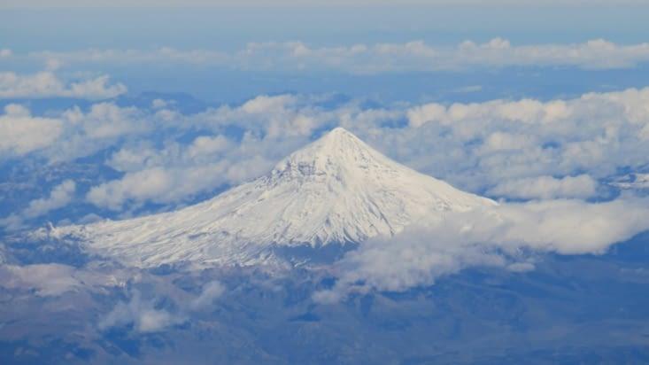 un volcan vu du ciel