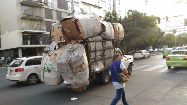 Depuis l'Asie, on n'avait plus vu de camion chargé à bloc