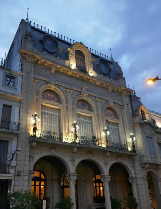 De beaux bâtiments