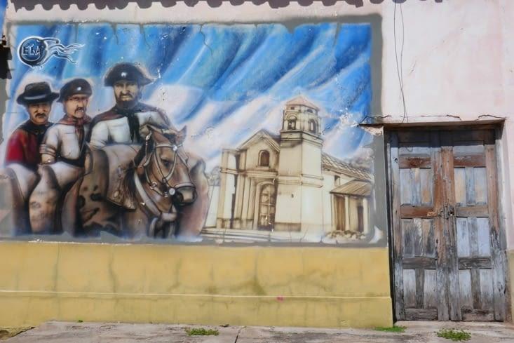 De magnifiques graffitis dans un minuscule village