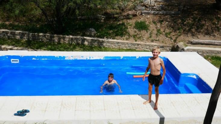 avec une piscine en prime, pour la joie de tous