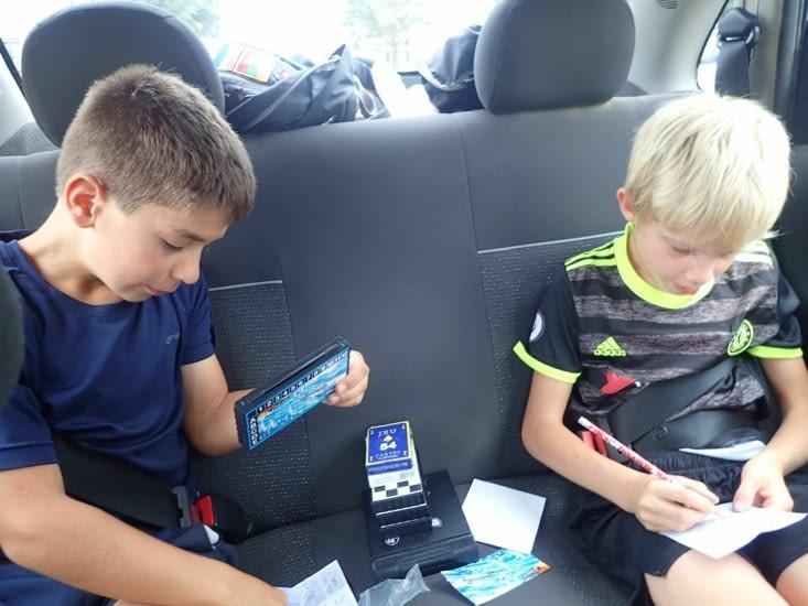 Jeux dans la voiture