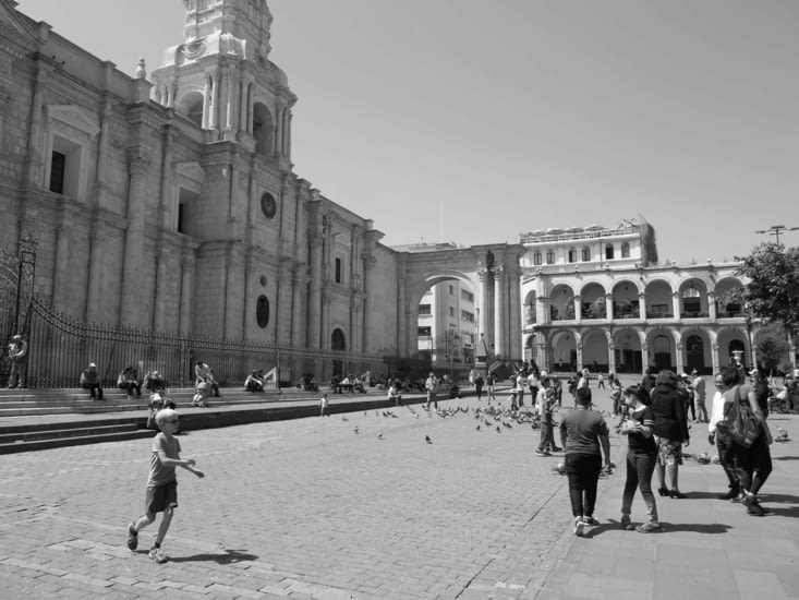 La cathédrale sur la place d'armes