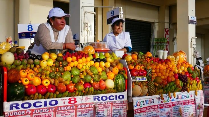 Voici les stands de jus de fruits frais