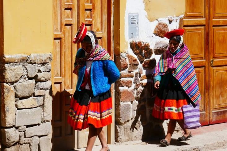 Ici pas de folklore mais des traditions vestimentaires bien ancrées