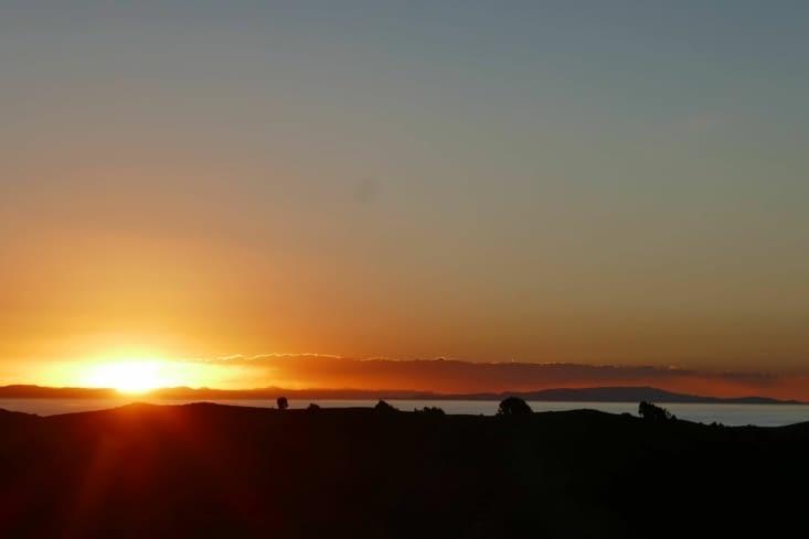 Coucher de soleil depuis le mirador au centre de l'île