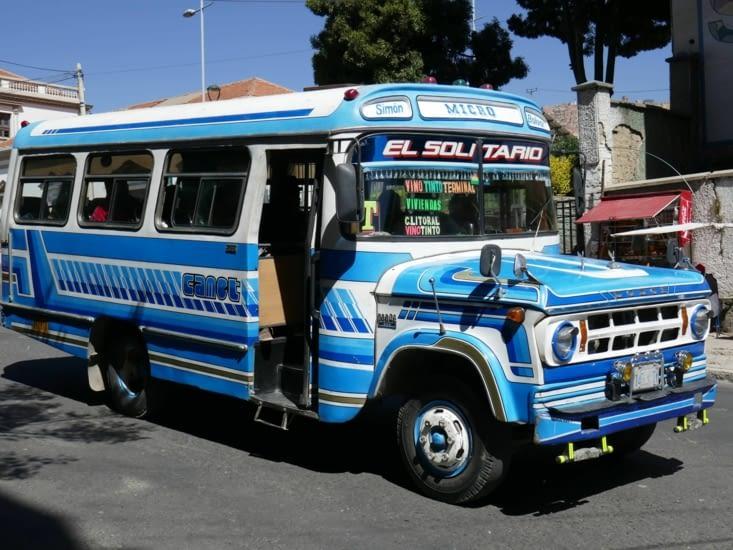 Retour en bus (qui sont tout en couleurs en Bolivie)