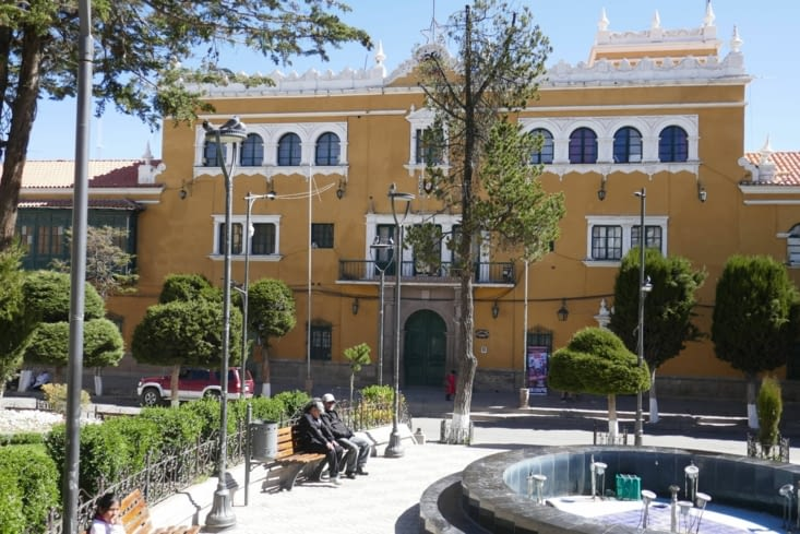 De jolies places dans le centre historique