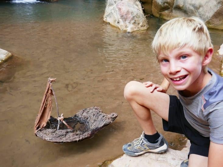 Maël, le roi de la bricole, a fabriqué un bateau bio ...