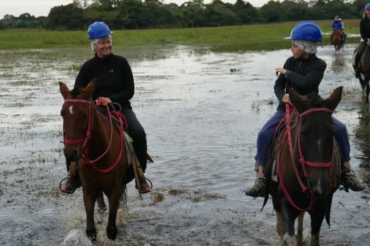 Près de 2h à cheval, alternant entre marais et petites forêts surélevées : génial