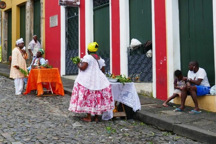 Les habits traditionnels aussi sont colorés