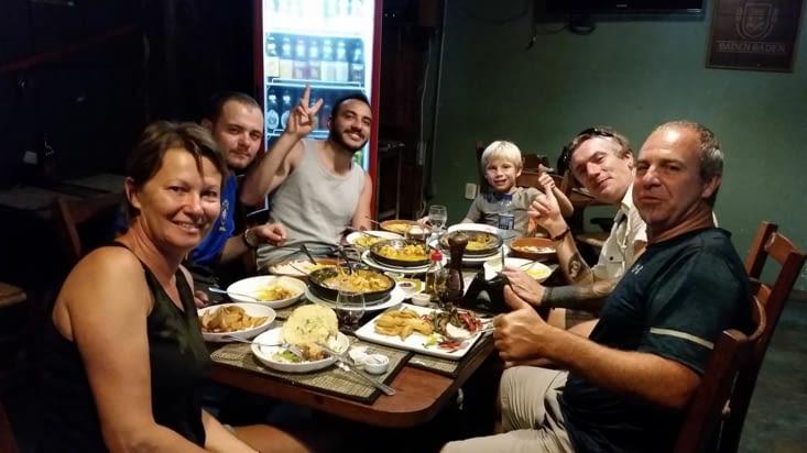 Diner avec des français rencontrés dans l'auberge de jeunesse