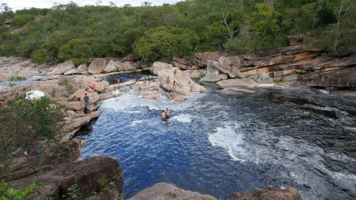 Le lendemain, nous allons nous baigner dans des bassins naturels à 45 min de marche