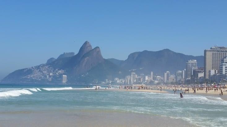 Mer, soleil, plage de sable fin et maillots de bain brésiliens: what else ? ...