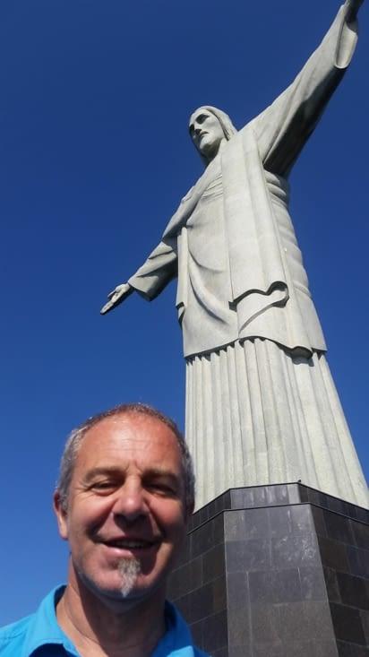 La statue fut façonnée par le sculpteur français Paul Landowski dans son studio à Paris