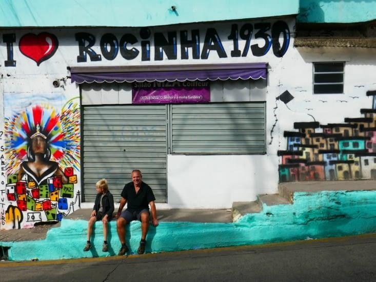 La favela Rocinha est la plus grande de Rio et du pays : 80 000 personnes y habitent