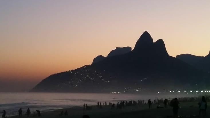 Dernier coucher de soleil sur la montagne