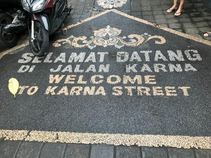 Une rue très sympathique pour dénicher des souvenirs locaux