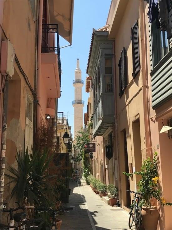 Le minaret de la mosquée Neratzes