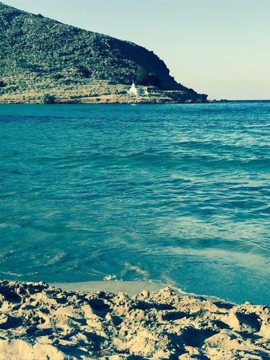 Sur la plage de Kalyvaki